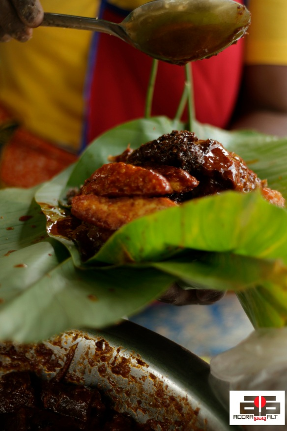 Yummy Waa Gashi served with Waakye