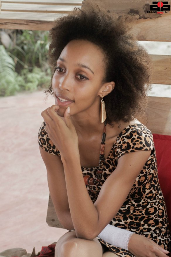 Elisabeth Sutherland 9 - FEBRUARY 2014 - ACCRA DOT ALT